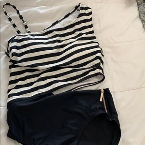 One shoulder striped one piece
